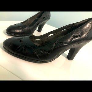 NEW Aerosole Black cut-out designed heels.